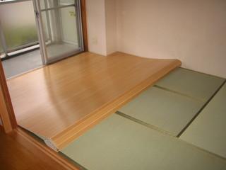 和室にフローリングカーペットを敷く2