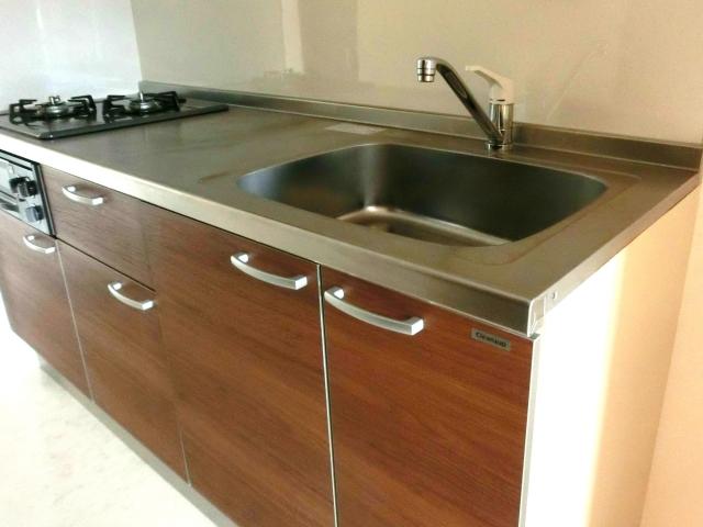 新築のキッチン2