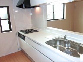 新築のキッチン1