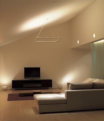 間接照明で天井を照らす