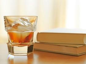 本とウイスキー